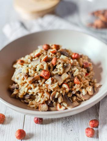 Risotto vegano con champignon e nocciole