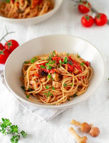 Spaghetti con funghi misti