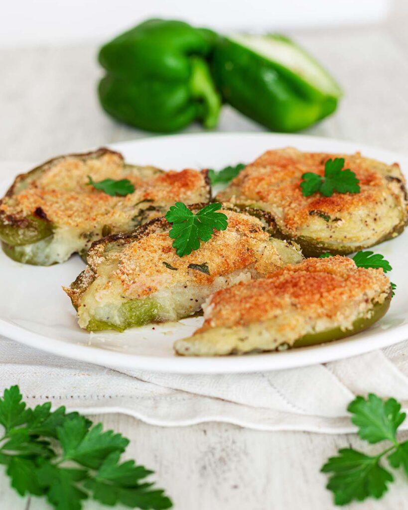 Peperoni ripieni con patate al forno