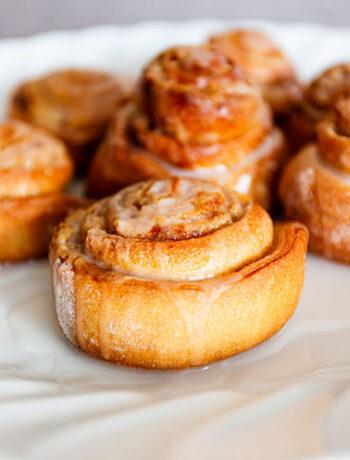 Cinnamon rolls senza burro e uova