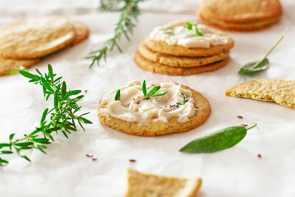 Cracker con farina di ceci e semi vari