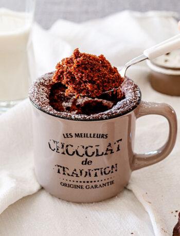 Mug cake vegana al cioccolato fondente