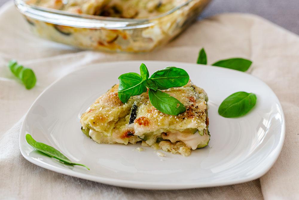 Parmigiana bianca vegana di zucchine